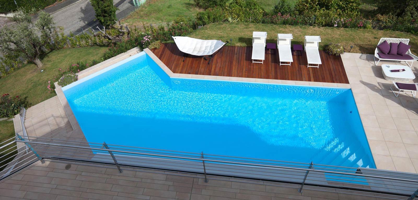 Vendita Piscine A Catania piscine interrate catania bordo sfioro cascata